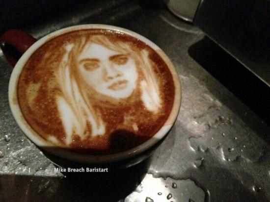 Độc đáo vẽ chân dung trên ly cà phê